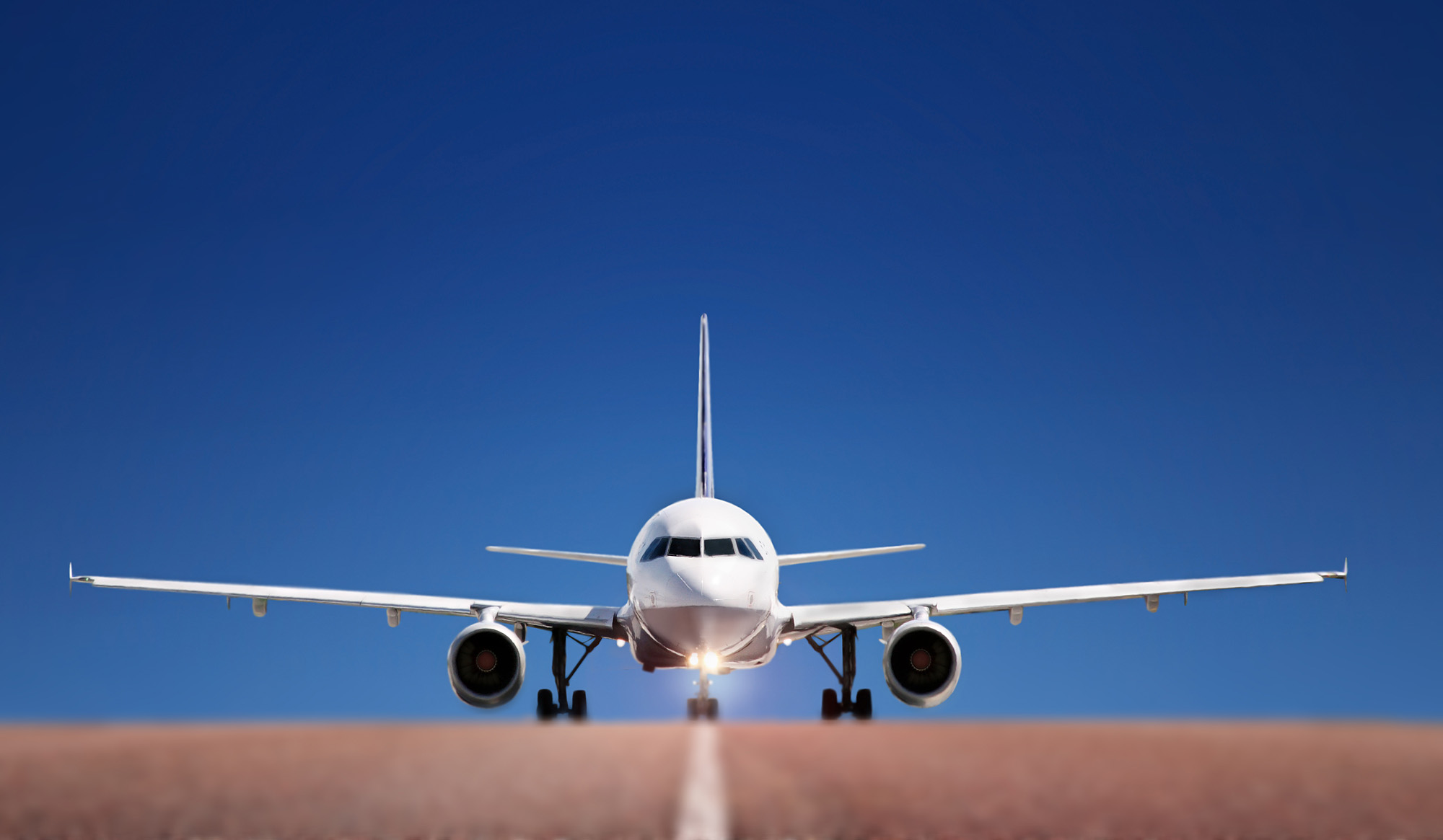 据中国民航调查显示,在未来5年内将新增2500架飞机,将有10万个工作